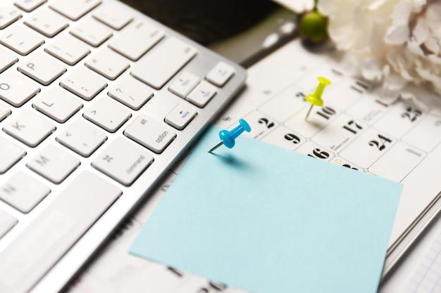 O conceito de planejador de eventos está ocupado ou planejando.