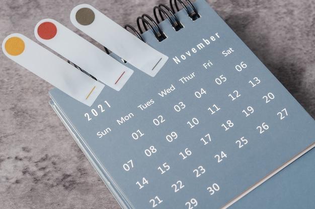O conceito de planejamento e prazo com nota no mês de novembro, agenda de 2021.