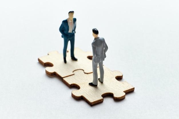 O conceito de relação entre empregado e chefe na gestão empresarial.