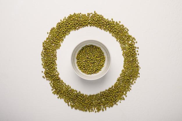 O conceito do círculo de feijão verde dieta saudável alimentação vista superior