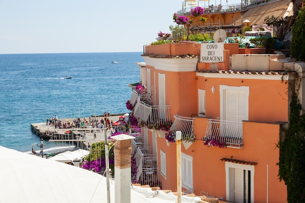 O covo dei saraceni é um hotel em positano.