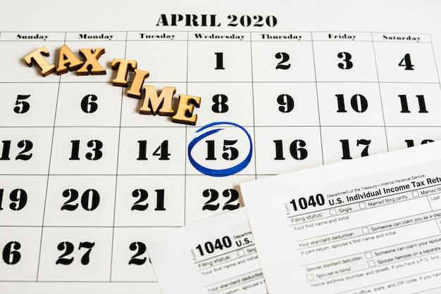 O dia 15 de abril de 2020 foi marcado no calendário como lembrete para pagamento de impostos.