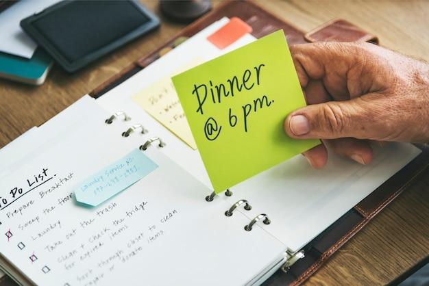 O diário semanal do planejador organiza para fazer o conceito da lista