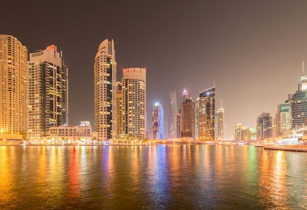O distrito de marina é uma área residencial popular em dubai