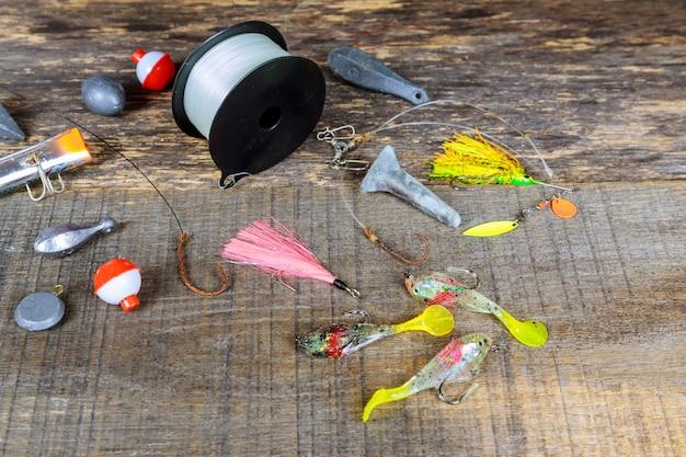 O equipamento de pesca. gancho de ganchos de pesca