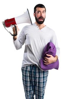 O falante fala falar roupas masculinas
