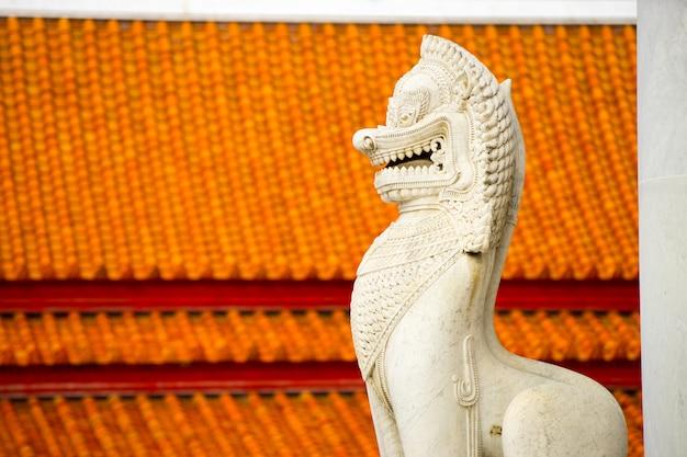 O famoso templo de mármore benchamabophit de bangkok, tailândia