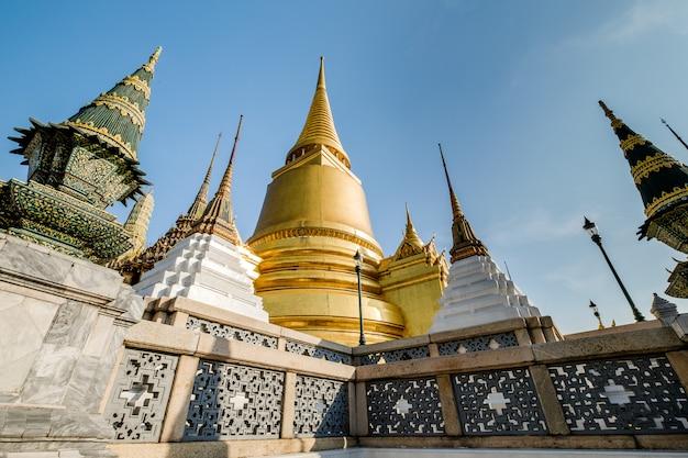 O famoso templo esmeralda real de banguecoque