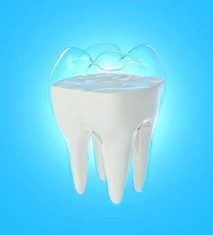 O fluxo do leite muda para a forma dos dentes, conceito de força da bebida