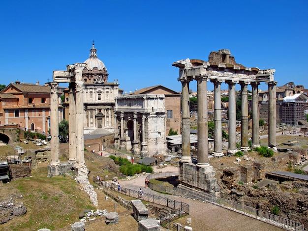 O fórum romano antigo, roma, itália