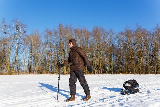 O fotógrafo voltou do inverno atirando a vida selvagem