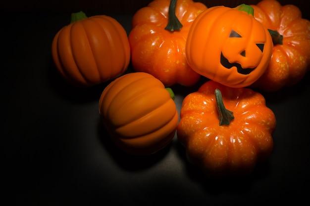 O fundo escuro da imagem do tom do fundo de halloween.