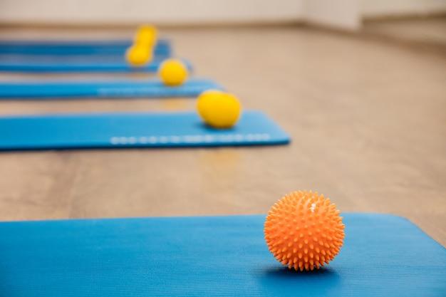 O ginásio para treinar pilates