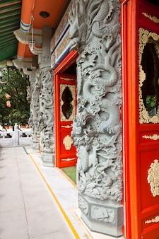 O grande mosteiro de buda po lin em hong kong