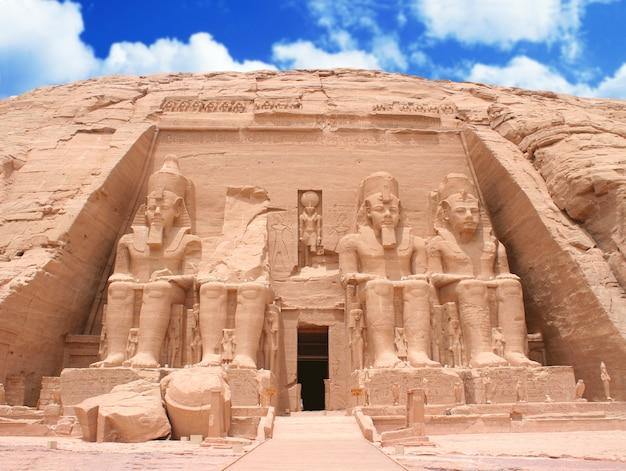 O grande templo em abu simbel, egito