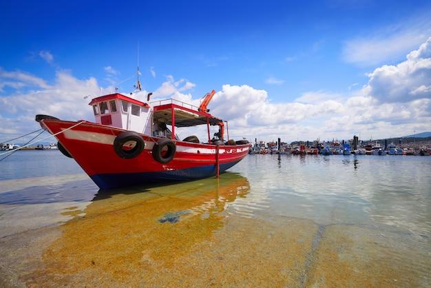 O grove ogrove porto com barcos de pesca pontevedra