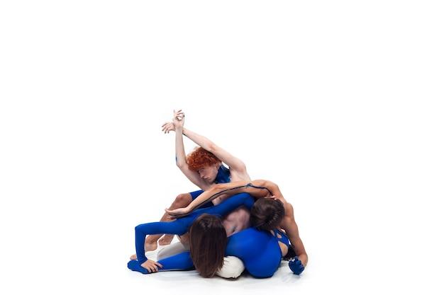 O grupo de dançarinos modernos, arte dança contemporânea