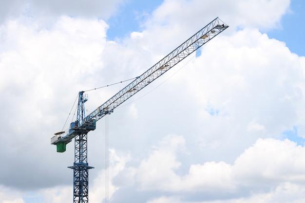 O guindaste de construção