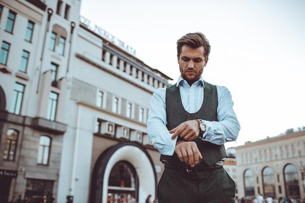 O homem de terno