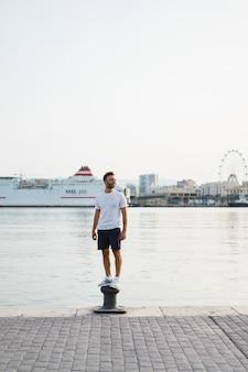 O homem no porto
