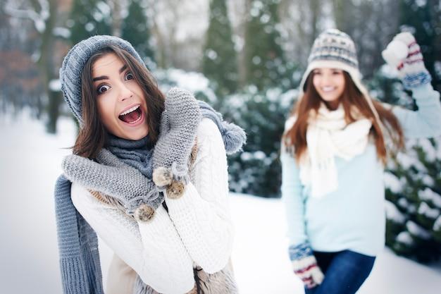 O inverno é hora de se divertir do lado de fora