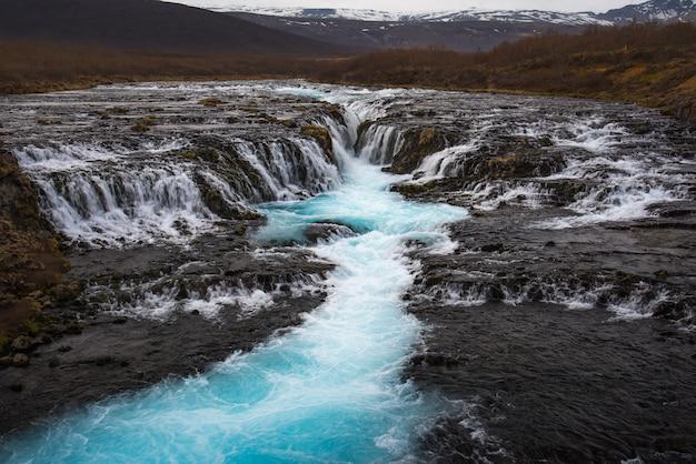 O mistério da cachoeira azul, bruarfoss