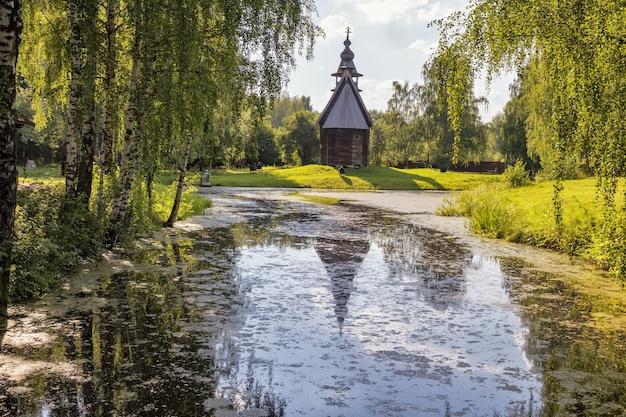 O museu de arquitetura de madeira a céu aberto kostroma sloboda kostroma rússia