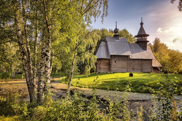 O museu de arquitetura de madeira dmitrievskaya igreja spasofominskaya século 17 kostroma rússia