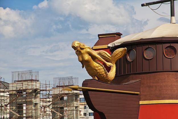 O navio vintage em skopje, macedônia, balcãs