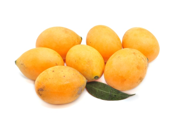 O nome científico bouea macrophylla griffith. nome comum marian plum, plum mango