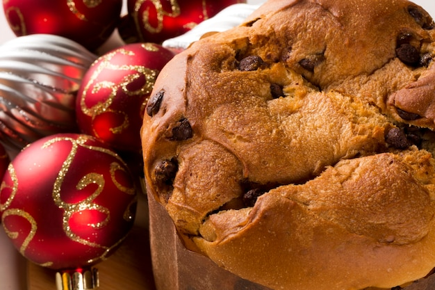 O panetone é a sobremesa italiana tradicional para o natal. chocotone.