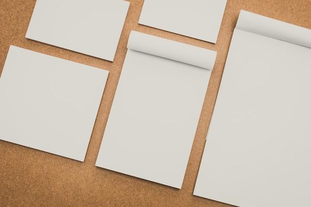 O papel branco simula