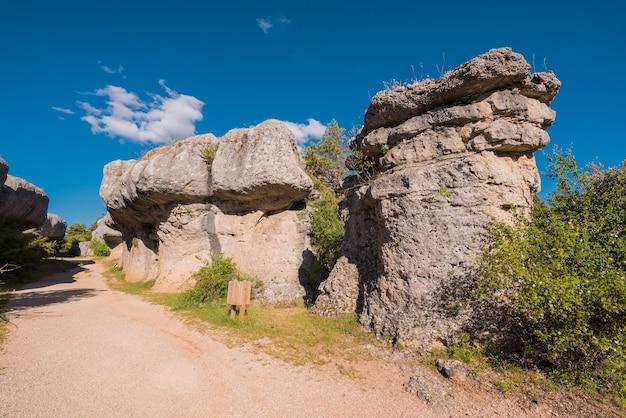 O parque natural da cidade encantada, grupo de rochas calcárias formas crapicious em cuenca, spai