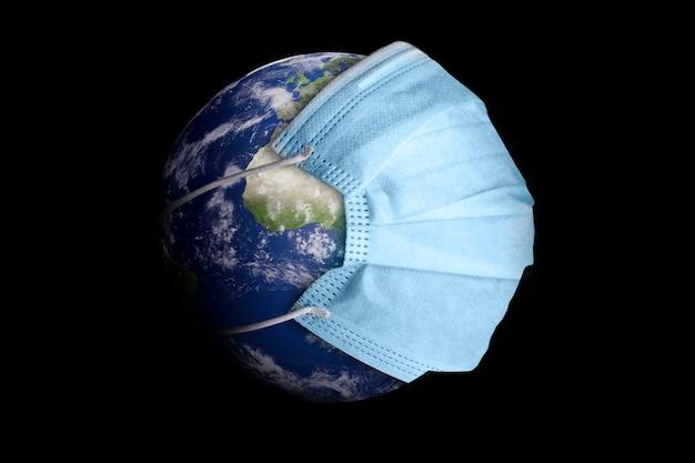O planeta terra com máscara