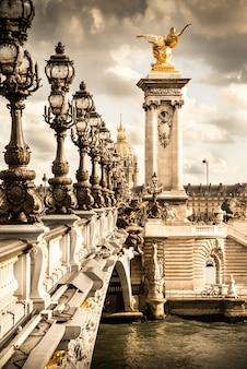 O pont alexandre iii em paris