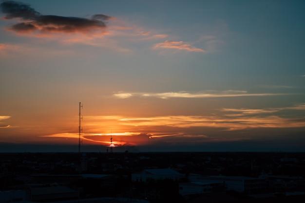 O pôr do sol da cidade