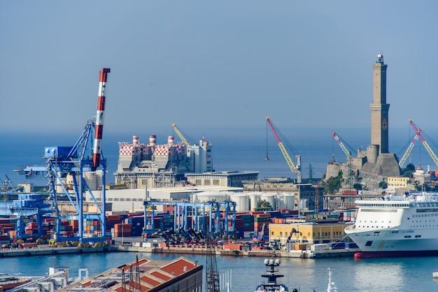 O porto de gênova