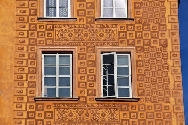 O prédio antigo em varsóvia, na polônia