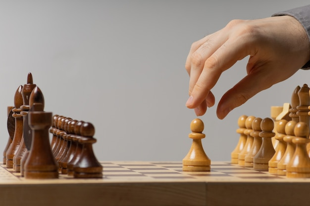O primeiro movimento de peão em um jogo de xadrez