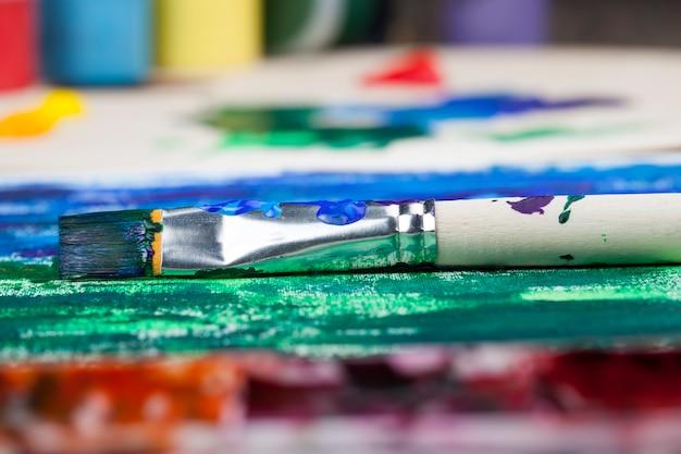 O processo criativo de desenho usando tinta acrílica, tinta acrílica para pintar quadros, tintas acrílicas para desenho criativo