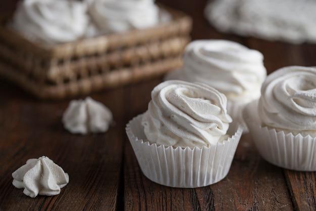 O processo de fabricação de marshmallow.