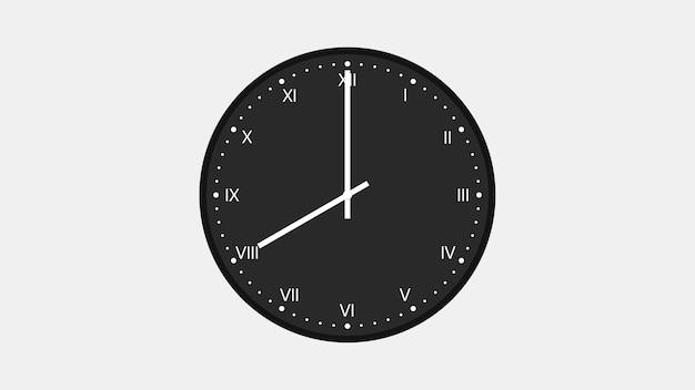 O relógio de parede com algarismos romanos mostra oito horas