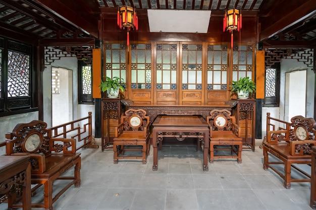 O salão de estilo chinês clássico no humilde administrador do jardim, suzhou, china