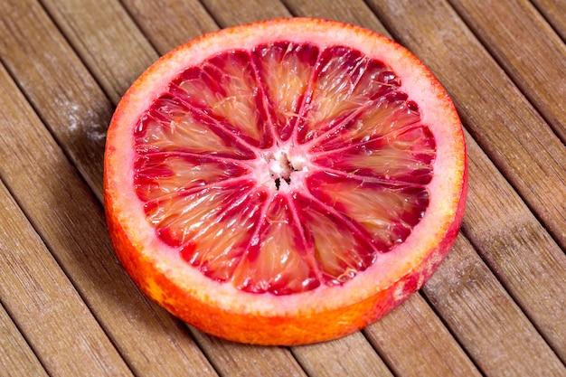 O suculento corte laranja siciliana
