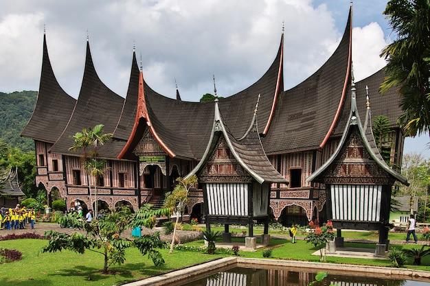 O templo de sumatra, indonésia