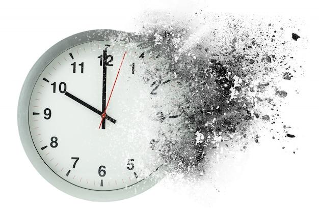 O tempo passa, se dissolve. conceito de tempo de desaparecimento.