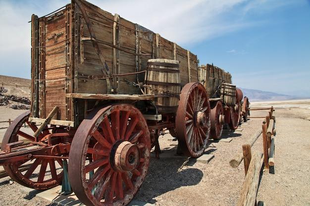 O velho trem no vale da morte na califórnia, eua