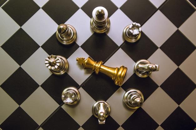 O xadrez é como fazer negócios, para o futuro, para a competição vencer.