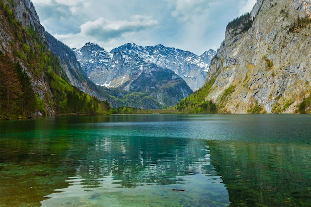 Obersee - lago de montanha, alemanha