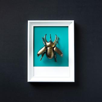Objeto de brinquedo de insetos alado